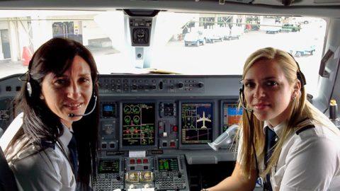 La mujer en la aviación